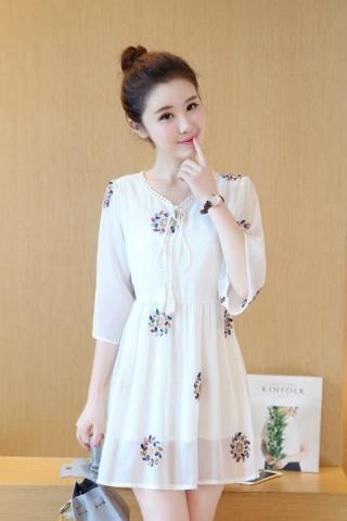 Đầm sơmi thêu hoa phong cách Hàn Quốc - TD279